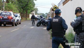 Homem faz mulher refém e exige presença da imprensa no Rita Vieira