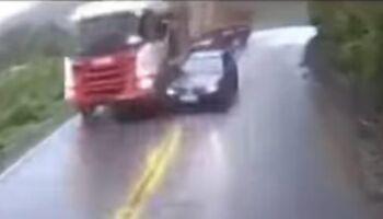 Carro bate em carreta e mata bebê após ultrapassagem proibida em MG (veja o vídeo)