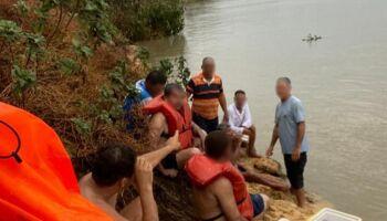 Quatorze pessoas que estavam em barco que virou são resgatadas; 7 estão desaparecidas