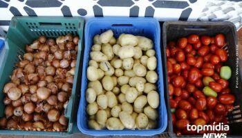Com aumento do desemprego e inflação, famílias estão comprando menos comida