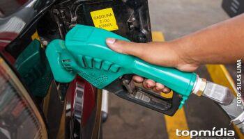 Bolsonaro diz que paciência do povo se esgotou com aumento dos combustíveis