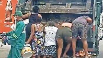 Moradores catam restos de alimentos em caminhão de lixo e cena choca em Fortaleza (veja vídeo)