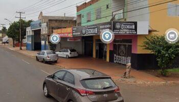 Bandidos rendem dona de conveniência e roubam motocicleta na Guaicurus