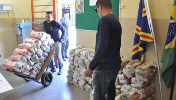Prefeitura já entregou 70% dos 'kits merenda' contra coronavírus em Campo Grande