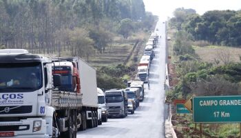 Deputado quer isenção de pedágio para caminhoneiros durante pandemia