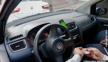 Motoristas de app dobram horas de trabalho na pandemia, mas faturamento está em queda livre