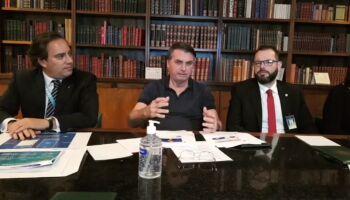 EFEITO CENTRÃO? Em live, Bolsonaro pensa em recriar Ministério da Pesca