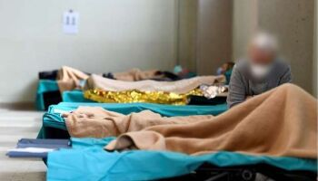 Brasil tem 24.945 mortes pelo coronavírus