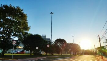 Apesar do frio, sol aparece e termômetro pode marcar 27°C