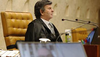 STF suspende sessão que avalia bloqueio do WhatsApp