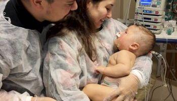 Bebê que venceu covid-19 terá festa virtual após 54 dias no hospital