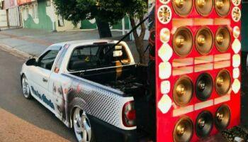 Cem pessoas são flagradas em festa regada a bebidas, DJs e carro de som na Chácara das Mansões