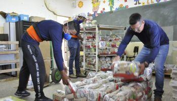 Prefeitura inicia entrega de 30 mil kits merenda na segunda-feira