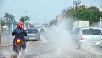 Campo Grande vive tarde geladinha e chuva está armada para esta terça