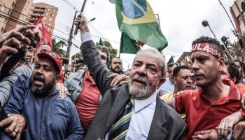 PT contraria esquerda e chama protestos contra Bolsonaro em plena pandemia
