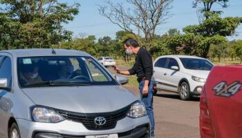 Motorista que tentar 'furar' barreira contra COVID vai perder CNH