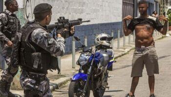 ABSURDO: Fachin proíbe operações policiais em favelas do Rio durante pandemia