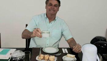 Após 'detonar' ivermectina, Anvisa recua sobre remédio elogiado por Bolsonaro