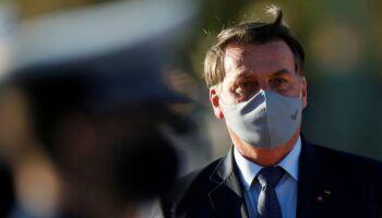 FEBRE DE 38,5: Bolsonaro confirma que está com a covid-19