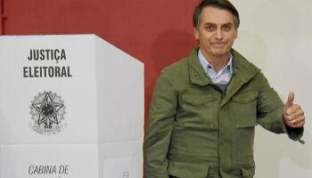 Câmara aprova PEC que adia eleições para novembro