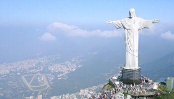 Trump usa imagem do Cristo Redentor em campanha contra derrubada de estátuas