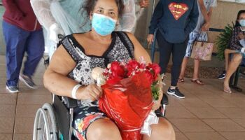 VÍDEO: com três doenças e 26 dias de CTI, dona Sônia venceu a covid e garante: 'foi Deus'