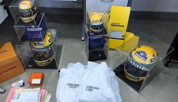 Homem tenta vender capacete falso de Ayrton Senna por R$ 50 mil