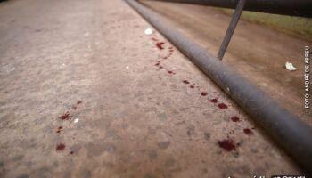Padrasto 'mete' pedradas e ameaça matar namorado da enteada em Campo Grande