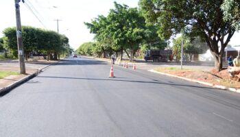 Parceria Governo do Estado e prefeitura garante novo asfalto em vias de Campo Grande