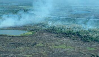 Incêndio no Pantanal ameaça escola de ONG na Serra do Amolar