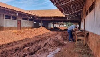 Prefeitura retoma construção de escola no bairro Parati