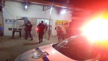 MAIS DO MESMO: 60 comércios são fechados e mais de 200 pessoas flagradas nas ruas