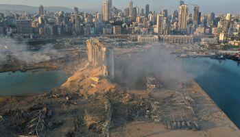 Equipes buscam por vítimas de explosão que deixou mais de 100 mortos e 4 mil feridos no Líbano