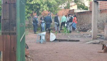 Corpo de mulher é achado enterrado em casa abandonada e dois são presos em Três Lagoas