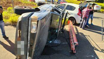 Motorista invade preferencial e causa acidente na Vila Sobrinho