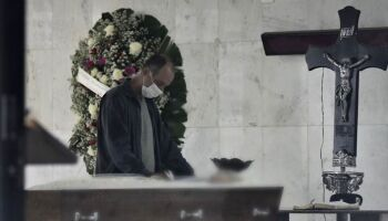 TRISTE REALIDADE: Brasil tem 561 mortes em 24 horas e segue rumo aos 100 mil óbitos