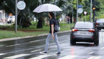 'Nem com dança da chuva': previsão diz que vai cair água em MS só depois do dia 15
