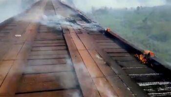 Incêndio atinge ponte da Estada Parque no Pantanal e via é interditada