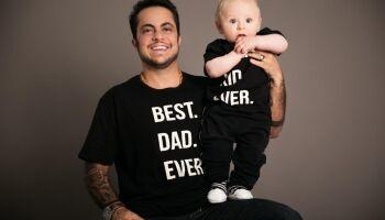 Thammy Miranda ignora críticas e faz ensaio fotográfico ao lado do filho