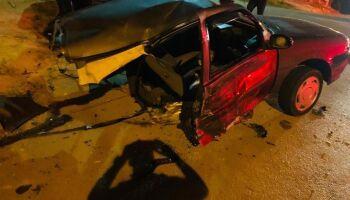Motorista que saiu ileso com os filhos após ter carro partido ao meio comemora nova chance