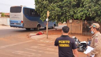Polícia identifica passageiro que morreu em batida entre moto e ônibus em Costa Rica