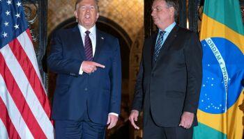 Prêmio da Zueira! Bolsonaro e Trump são premiados por gestão da pandemia