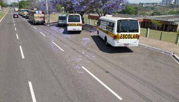 Sindicato grita por socorro e diz que donos de transporte escolar estão 'no fundo do poço'