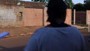 Ex-marido surta após festa em família, faz ameaças de morte e derruba mulher no soco