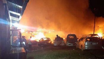 Se a moda pega: moradores se revoltam com atropelamento e incendeiam delegacia na fronteira