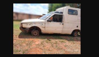 Bêbado, homem é preso por dirigir Fiorino sem dois pneus em Chapadão do Sul