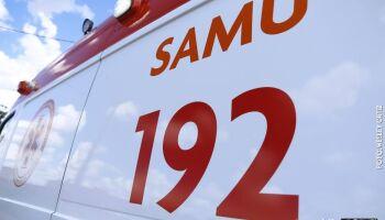 Adolescente fica ferido em acidente com carro e moto