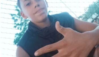 Jovem encontra corpo do irmão enterrado no quintal do vizinho