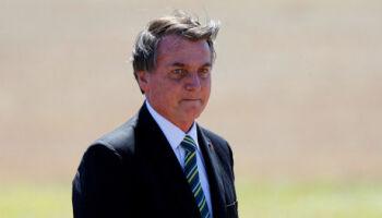 Bolsonaro será internado e vai passar por cirurgia