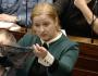 Estuprador é inocentado por vítima usar calcinha fio-dental e gera onda de revolta